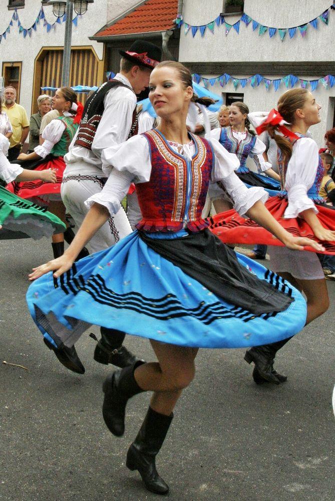 Trachtenfest-Tanz