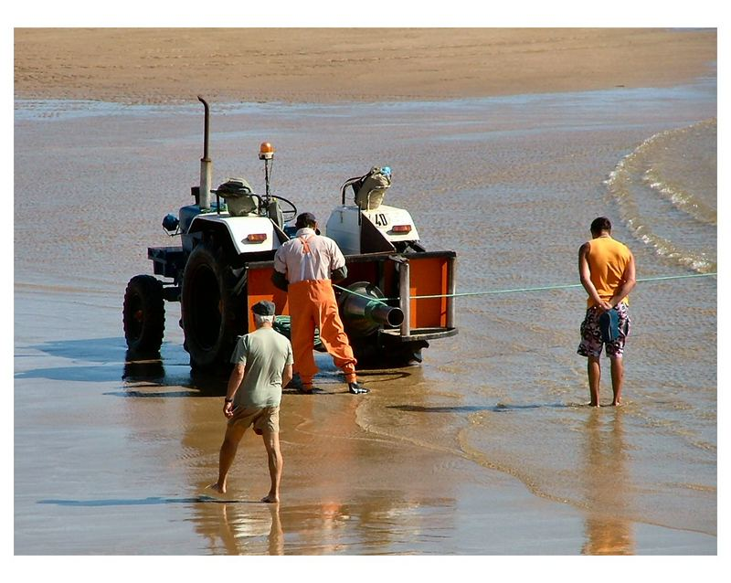 «Tracteur au travail» Costa de Caparica
