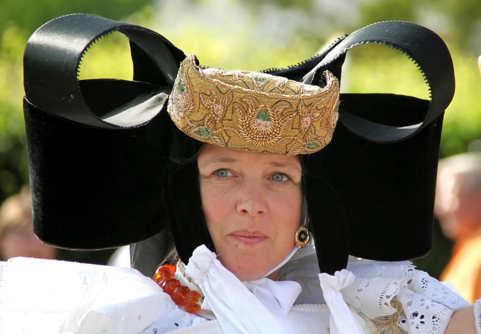 Traditioneller Kopfputz