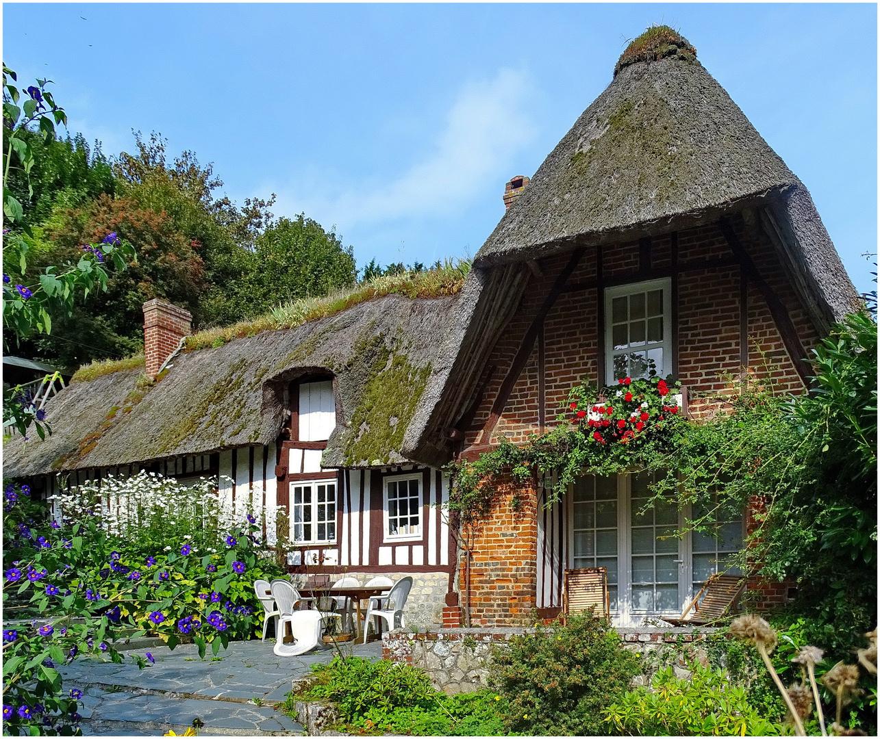 Haus Bild: Traditionelles Haus In Der Haute-Normandie Foto & Bild