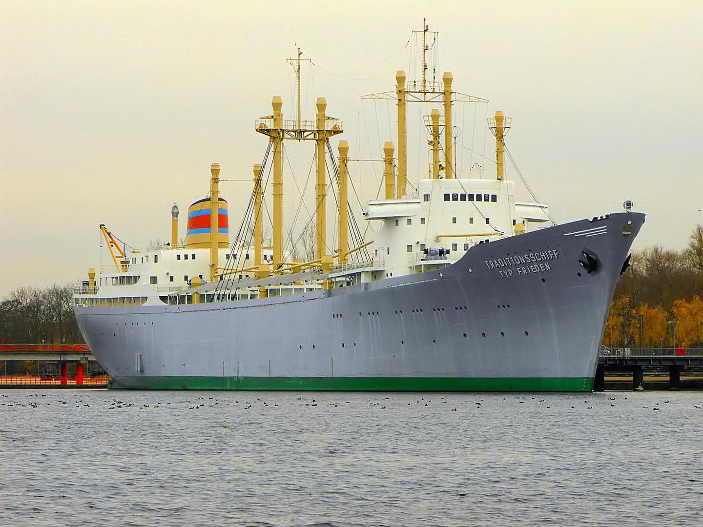 Traditionsschiff Typ Frieden, ehemals MS Dresden