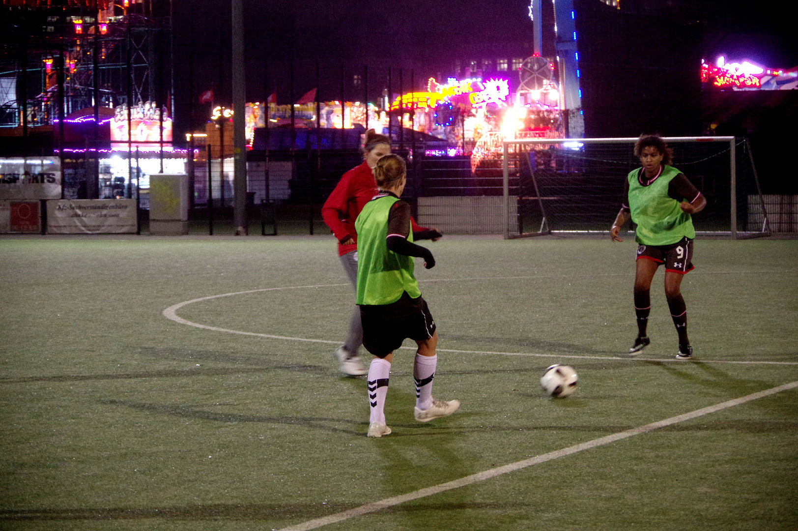 Trainingsspiel Kims Eleven vs FCSP 1. Frauen