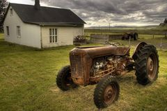 * Traktor bei Núpsstadur * . . . Iceland 25