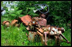 Traktor Friedhof...