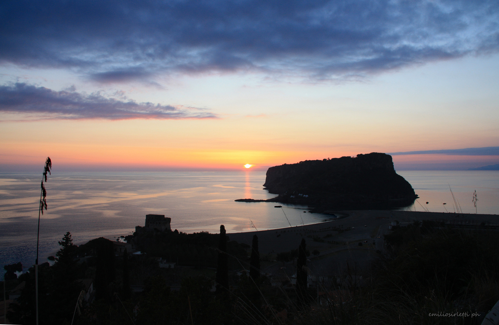 tramonto all'isola di dino - sunset at the island of Dino