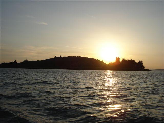 Tramonto all'Isola Polvese (Lago Trasimeno) - ITALY