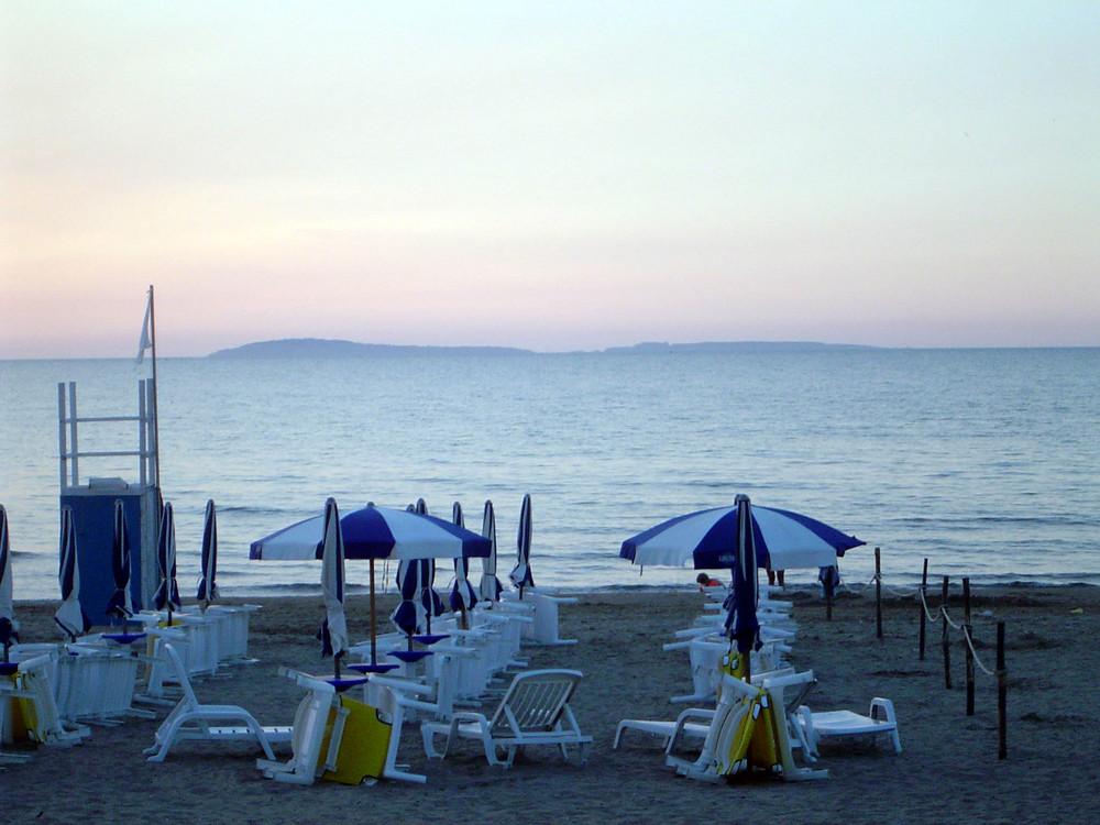 Tramonto on beach