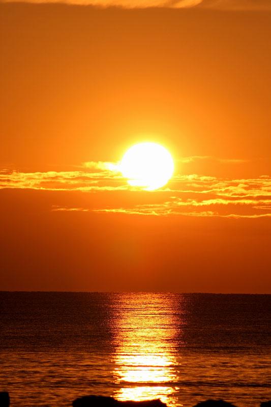 Tramonto sul mare foto immagini paesaggi albe e for Foto spettacolari per desktop
