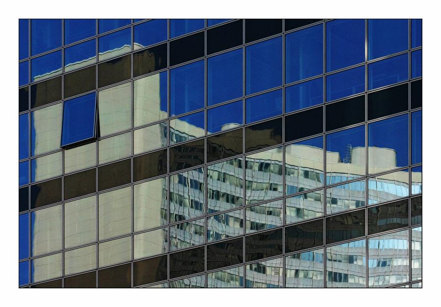Transdanubische Fassadenspiegelung #4