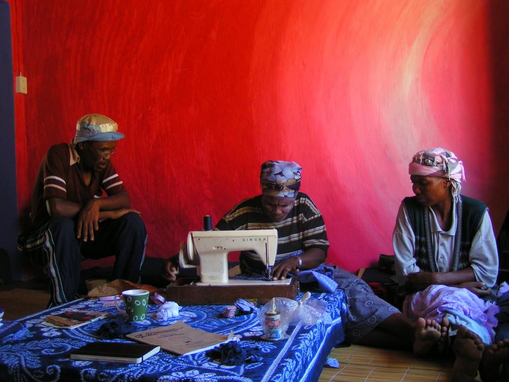 Transkei Szene mit Singer Naehmaschine