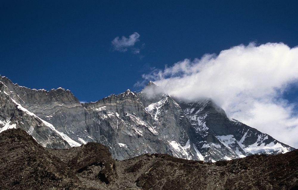 Traumsicht vom Chukhung Ri (5546m) auf die Südflanke des Lhotse