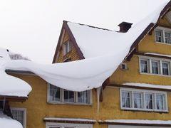 Traurig hängt der Schnee.....
