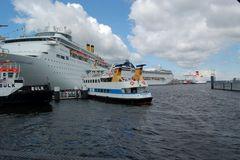 Treffen derTraumschiffe im Kieler Hafen