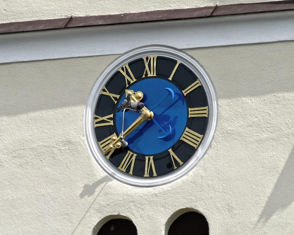 treffpunkt kirchturmuhr