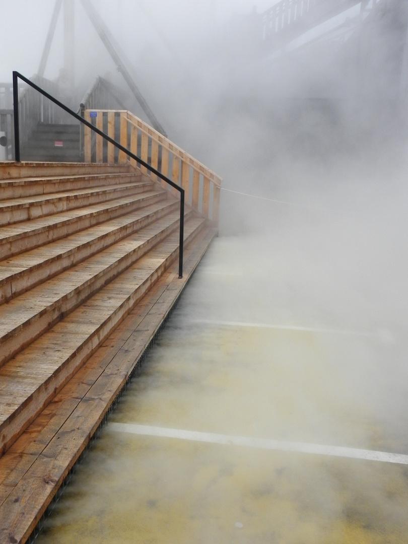 Treppe im Rauch