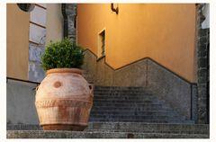 Treppe mit Blumentopf