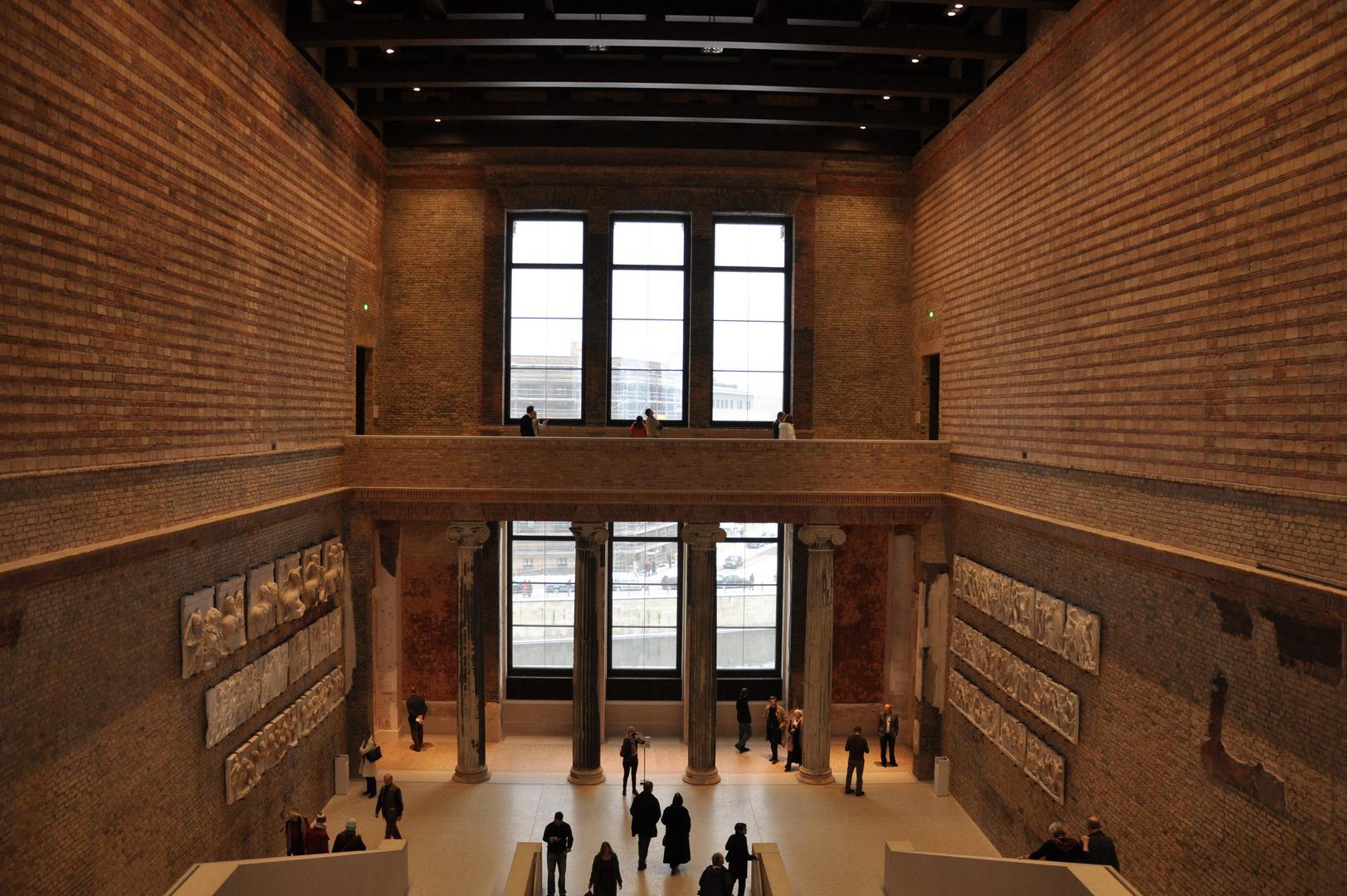 Treppenaufgang im Neuen Museum