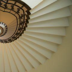 - Treppenhausstrahlen -