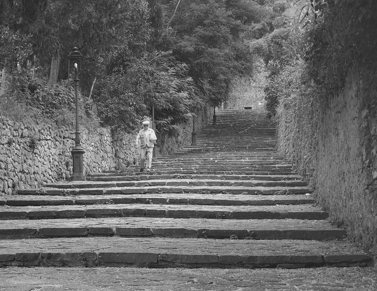 Treppenweg in Volterra