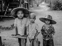 Tres Hermanos en Hsipaw