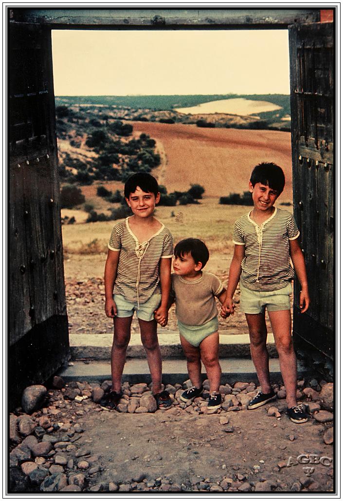 Tres hermanos vagabundos