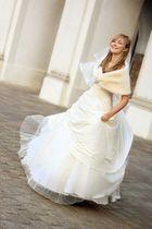 Trisha als Braut