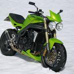 ...... Triumph Speed Triple im sch... Schnee ......