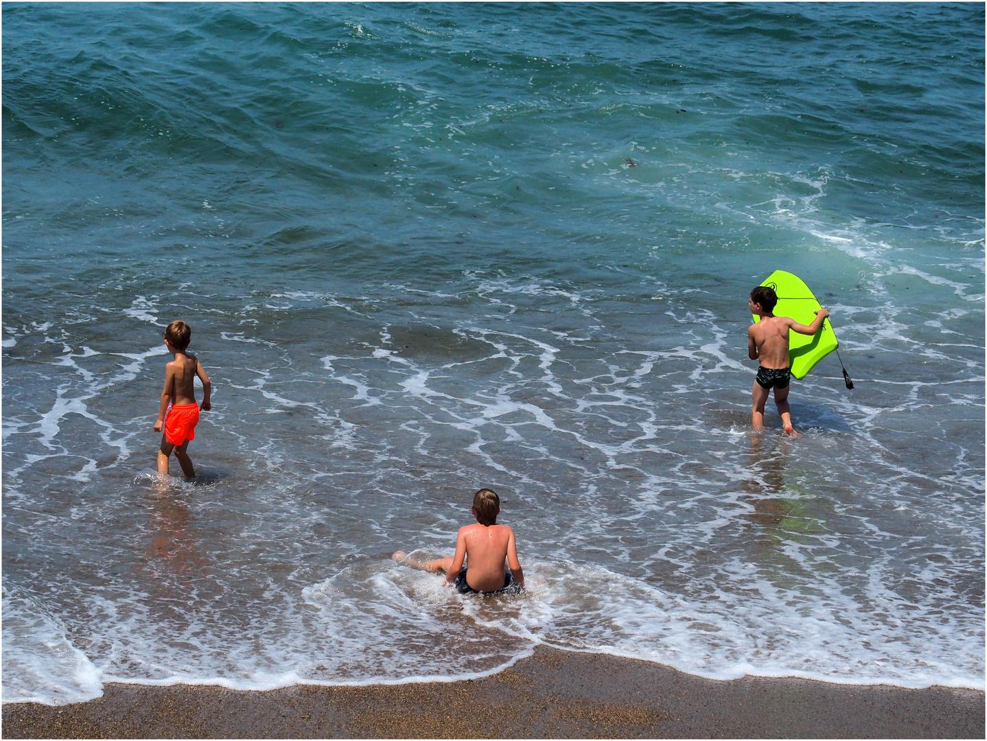 Trois façons de jouer avec les vagues