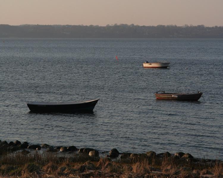 trois petits bateaux