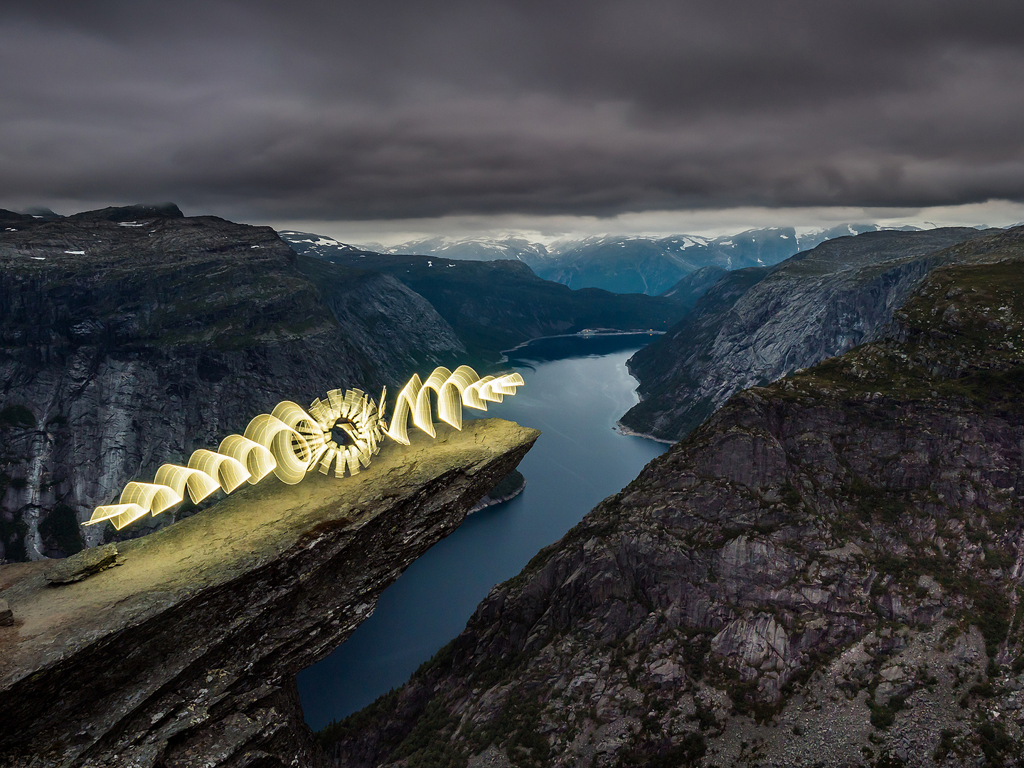 Trolltunga lights