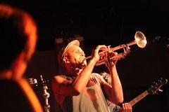 Trompeter+keys+bass KISTE