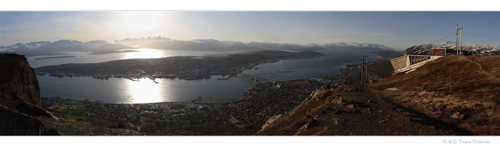 Tromsø im Licht der untergehenden Sonne