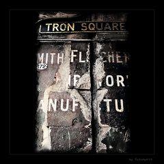 Tron Square 172