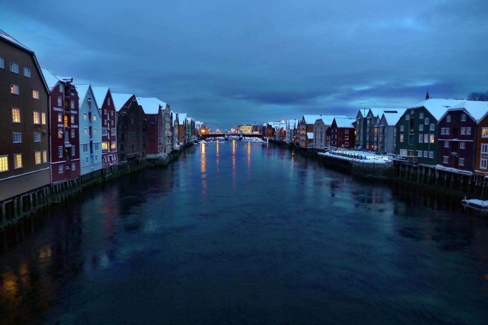 Trondheim; Speicherhäuser am Nidelv