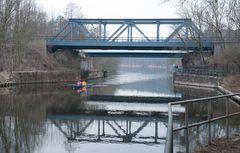 trüber Februar-Nachmittag am Kanal