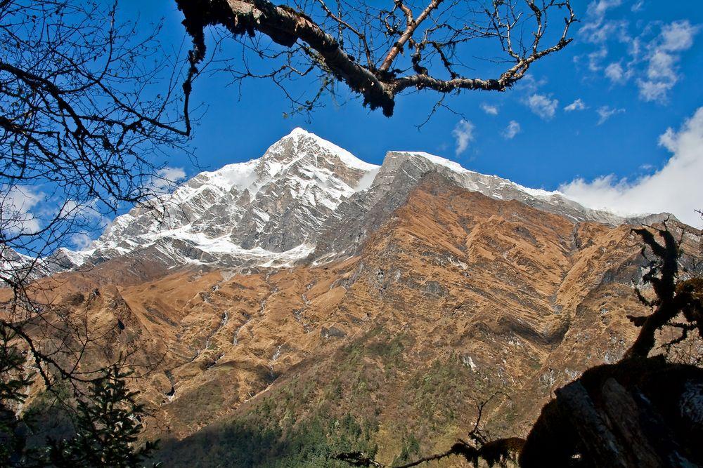 Tsaurabong Peak 6.395 m