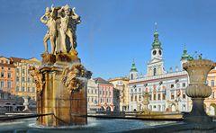 TSCHECHIEN - Marktplatz Budweis - Samsonbrunnen und Rathaus