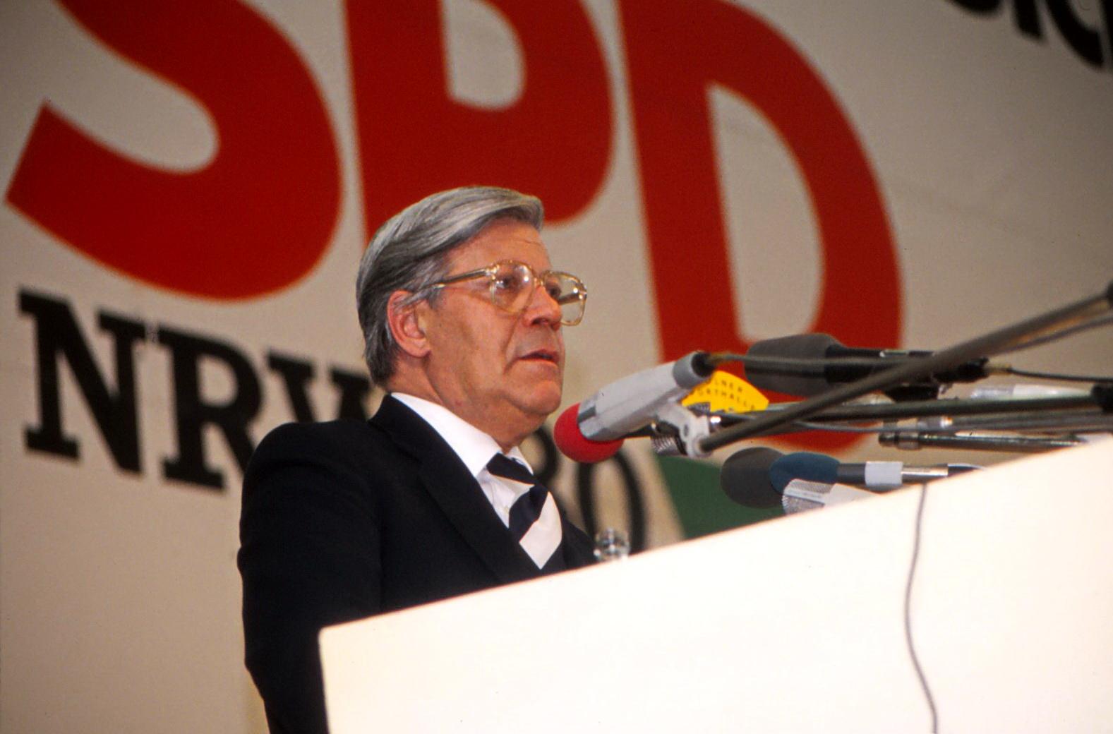 Tschüs Helmut
