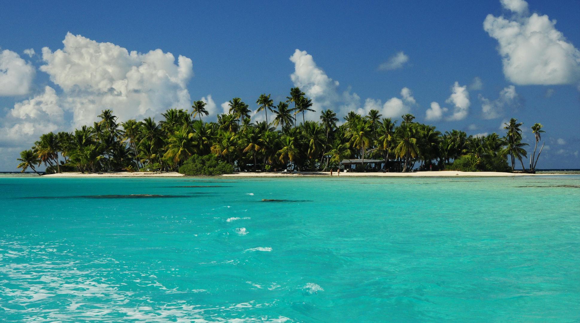 Tuamotu Atoll Rangiroa Tahiti
