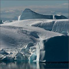 türkisbleuweißes eisberggletschereis