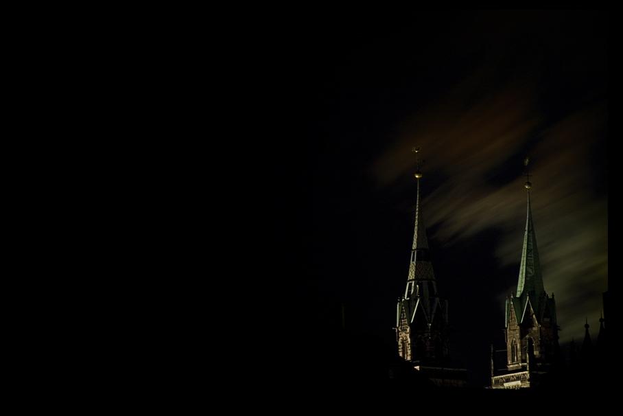 Türme im Dunkeln