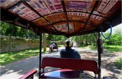 Tuk-Tuks to the Temples ...