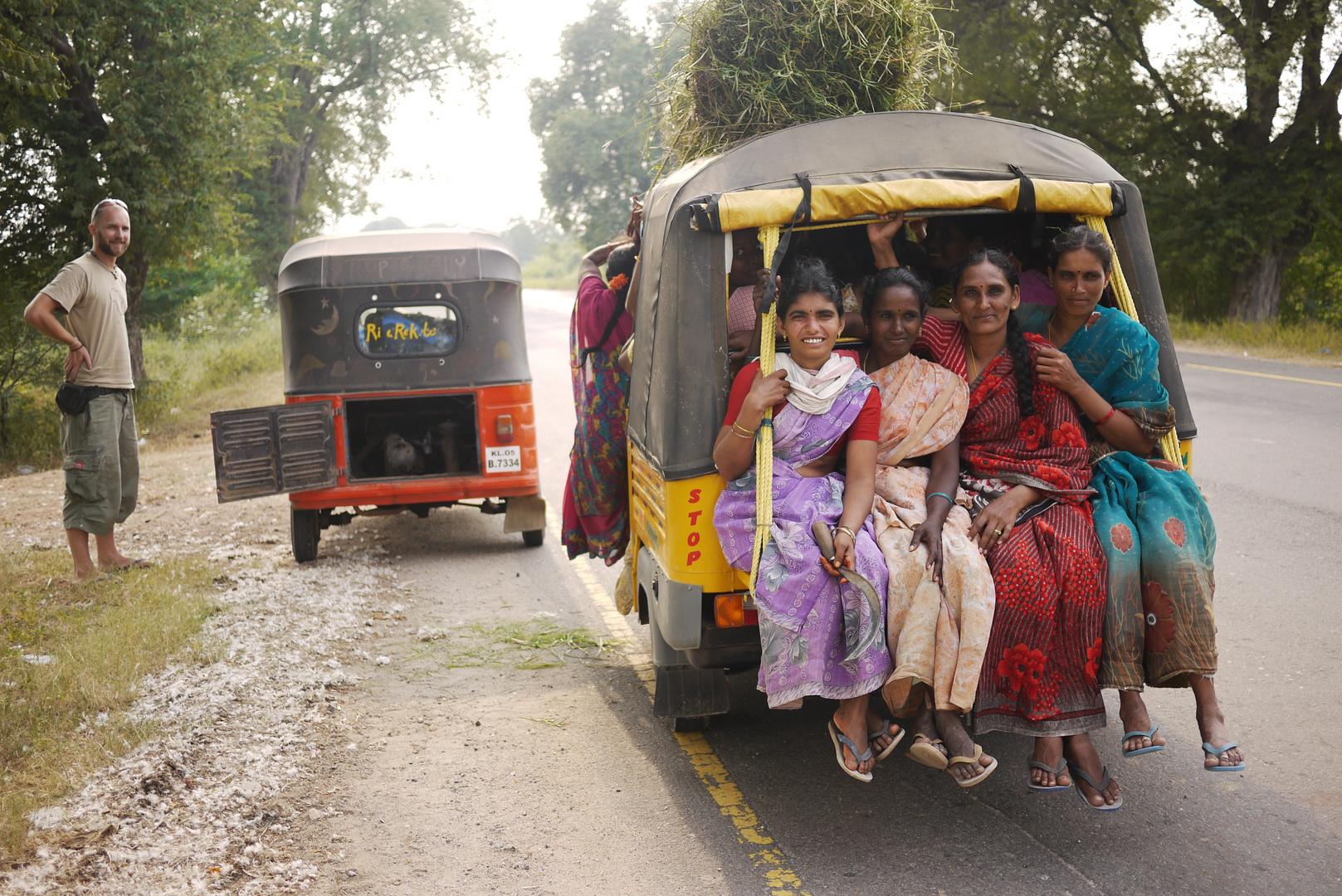 tuktuk roadtrip – lunchbreak