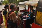 tuktuk roadtrip – lunchbreak2