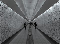 tunnel #3: green park tube station