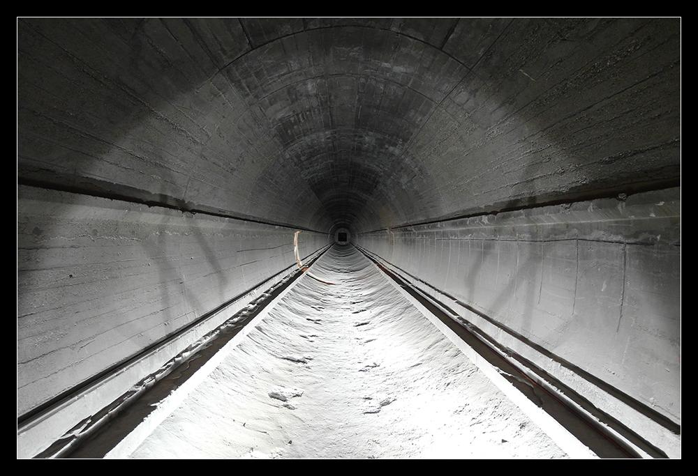 Tunnel, entkernt