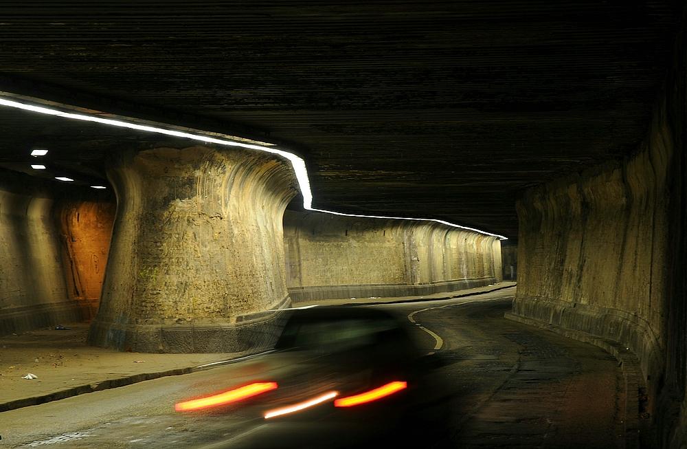Tunneldurchfahrt . . .