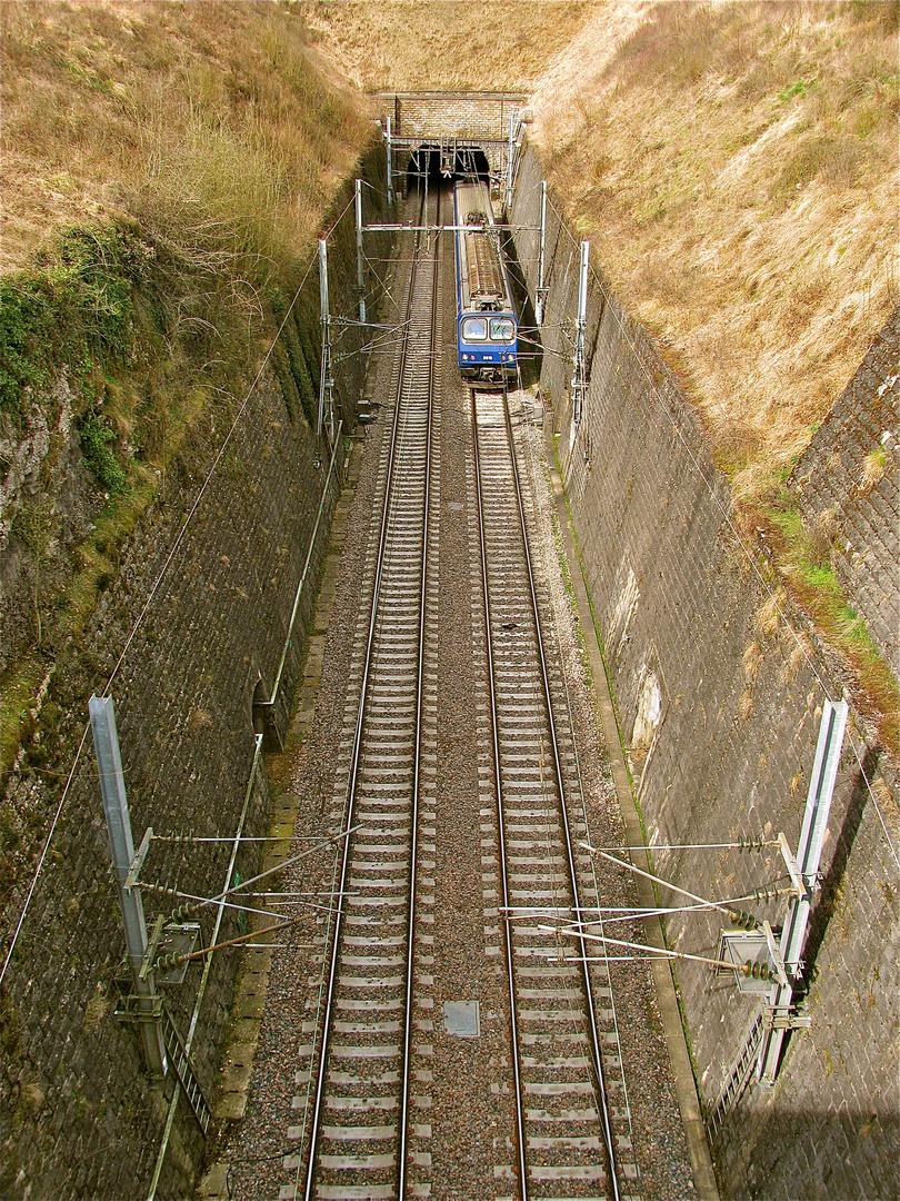 ...Tunnelfahrt !!!...
