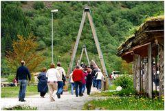 Turisti  al villaggio Viking