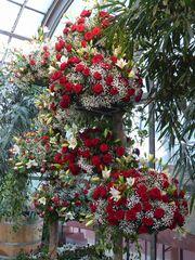 Turm aus 4 Rosengestecken
